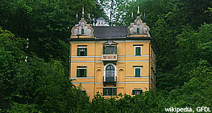 The Monatsschlössl is a Baroque manor and home to a museum.