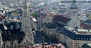 Munich, tbe capital of Bavaria is only a bit longer than one hour by train away from Salzburg.